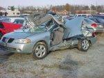Wrecked Sentra 2005.